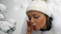 An Amateur Snowwhite Girl Who Really Enjoy To M