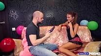 Jolie finlandaise se fait dépuceler le cul [Full Video] Preview