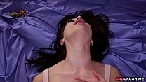 Stepdauhter Jennifer Jacobs gets a tasty facial