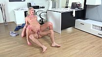18 Virgin Sex - Talented babe masturbates and p...