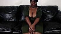 negra safada fode no sofa na entrevista de emprego