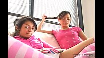 Chicas jovenes en accion  lesbi thumb