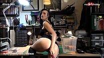 My Dirty Hobby - Sexy goth chick masturbates in workshop Vorschaubild