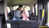 Sexy blonde bab e sucks and rides cock in the  es cock in the taxi for free far