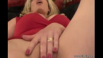 Squirt For Us Milf Mia thumb