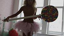 Blonde babe Julia Reutova arousing us in this erotic HD video Vorschaubild
