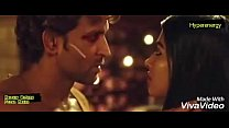 Hrithik Roshan and Pooja Hegde Hot Kiss In Mohe...
