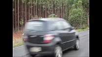 Cunhado tarado não perdoa e fode esposa do irmão no meio da estrada