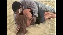 Big King Kong Negro Kissing Slim Lady on the Beach pornhub video