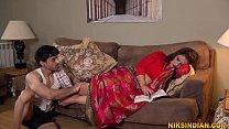 गर्भवती भाभी ने पति को धोखा देके नौकर से अपनी ग...