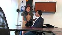 Sexo en la oficina con la secretaria