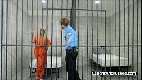 Horny blonde blows prison guard's Thumb