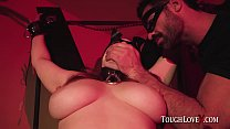 TOUGHLOVEX Curvy babe Summer Hart meets Karl To...