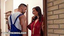 Curvy Babe (Sofia Lee) Fucks Muscular Plumber