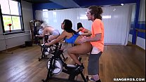 porn with brunette in the gym thumbnail