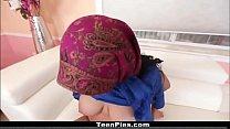 فتاة في سن المراهقة العربية عذراء 18 مص الديك جزء 1: http://ceesty.com/wCgdcN تخطي إعلان صورة
