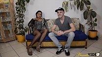 10114 Laoura la Tunisienne découvre le porno amateur avec un Français preview
