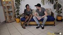 bonnie kinz • Laoura la Tunisienne découvre le porno amateur avec un Français thumbnail