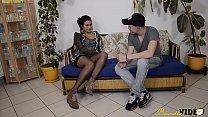14683 Laoura la Tunisienne découvre le porno amateur avec un Français preview