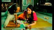 Kareena Kapoor's big boobs touched inappropriately thumbnail
