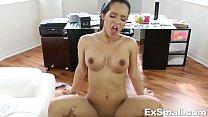 Tiny Latina Sucks and Fucks صورة