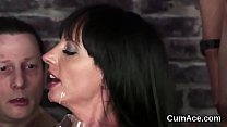 Unusual sex kitten gets cumshot on her face swallowing all the cum Vorschaubild