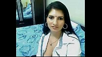 Hot & Horny High Class Bhabhi Home Alone Chatting On Webcam