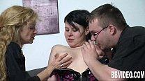 German wench in high heels gets nailed in threesome Vorschaubild