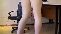 địt gái văn phòng khi đang làm việc