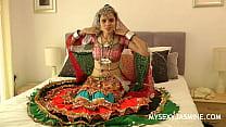 Gujarati Indian College Babe Jasmine Mathur Garba Dance