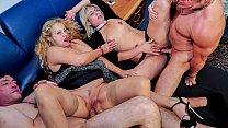 Mature groupe sexe free