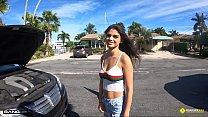 Roadside - Amateur Latina Teen Fucked By Roadside Assistance - 69VClub.Com