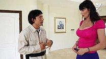 Porno Mexicano exterminator seduces the hottest MILF with big tits!! Eva Karera thumbnail