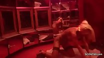 Echte PeepShow in deutschem PornoKino vor vielen Typen Vorschaubild