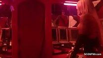 Echte PeepShow in deutschem PornoKino vor vielen Typen