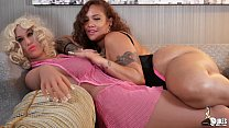 Thick Big Booty Latina Scarlett twerks on her c...