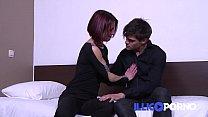 Image: Estelle baise devant son stagiaire - Amateur - FULL VIDEO - Illico porno