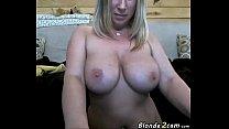 Blonde milf masturbates front the webcam