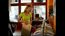 amateur couple fuck in a shop exhibe dans un magasin