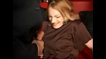 Deutsche Girls ekeln sich vor stinkenden Schwänzen Vorschaubild