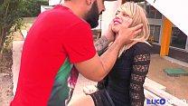 Amandine jouit, baisée en duo devant son mec cocu [Full Video] Image