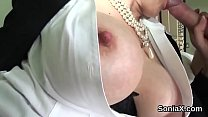 Unfaithful british mature lady sonia shows off her monster globes