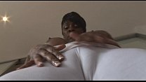 Busty mature ebony babe in tight spandex cameltoe tease صورة