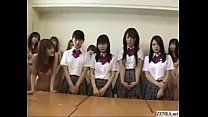Japanes schoolgirls strip