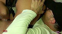 Mega Hängetitten MILF Hure von Jungspund gebucht zum Fick - German Mature Vorschaubild