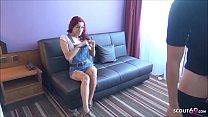 Teen Bonnie Ryder Deutsch mit roten Haar vom Chef bei Vorgespräch gefickt - German Redhead Vorschaubild