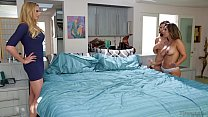 Reena Sky and Melissa Moore caught by Neighbor ...