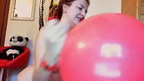 I play with these big balloons inflated with my mouth that great pleasure