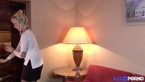 Kimber et Emeline dans un plan à quatre très chaud [Full Video]