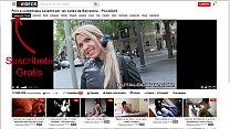 Pillo a colombiana caliente por las calles de Barcelona image